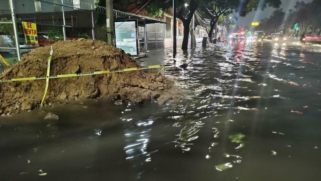 Lluvias causan en CDMX inundaciones y caída de árbol - Inundación en Coyoacán