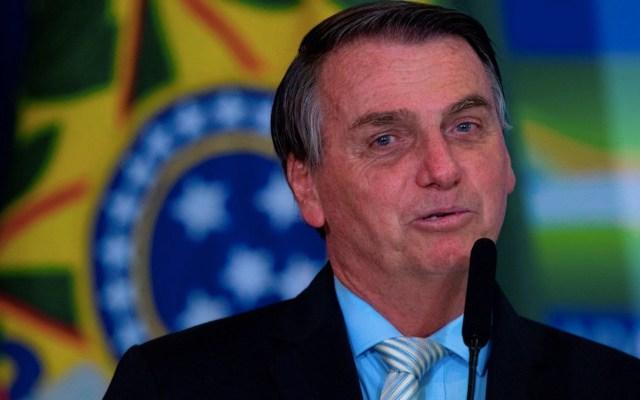Protesta de brasileñas contra veto de Bolsonaro a distribución gratis de tampones - Bolsonaro alude a