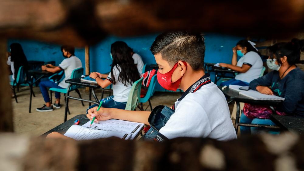 México registra reducción sostenida de pandemia pese a regreso a clases - México coronavirus CDMX covid clases Acapulco