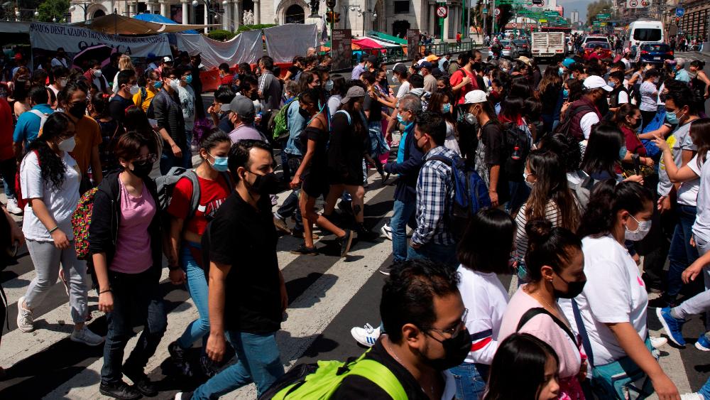 México reporta 306 muertes y 4 mil 452 nuevos casos de COVID-19 en las últimas 24 horas - Ciudad de México covid-19 coronavirus