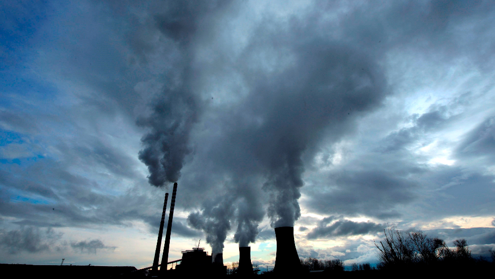OCDE acuerda dejar de financiar el carbón con créditos a la exportación - planta carbón OCDE