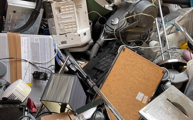 Basura electrónica en 2021 tendrá más peso que la Gran Muralla china - Residuos electrónicos