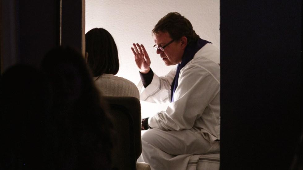 Iglesia francesa estudia reformas sobre el secreto de confesión - secreto confesión sacerdote
