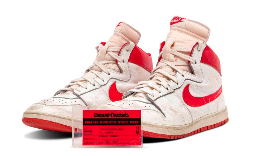 Sotheby's subastará tenis de Michael Jordan - Tenis Michael Jordan Deportes