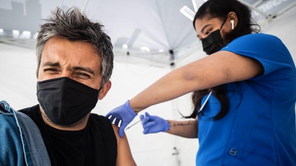 EE.UU. aceptará entrada de viajeros con una mezcla de vacunas - EE.UU. aceptará entrada de viajeros con una mezcla de vacunas. Foto de EFE
