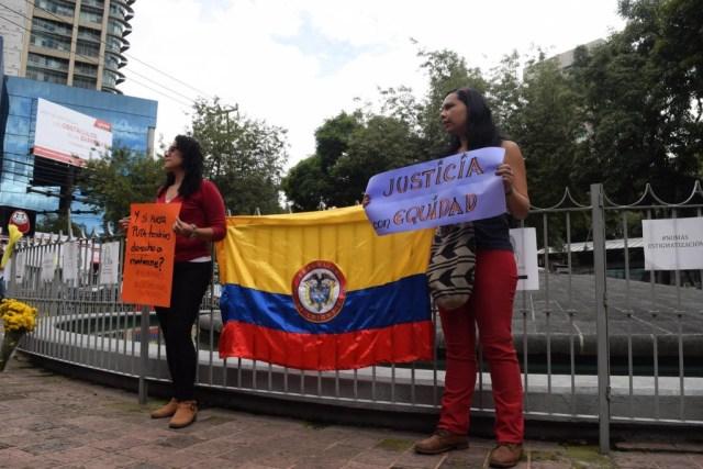 """""""No son suicidios, son feminicidios"""". Colombianas en México."""