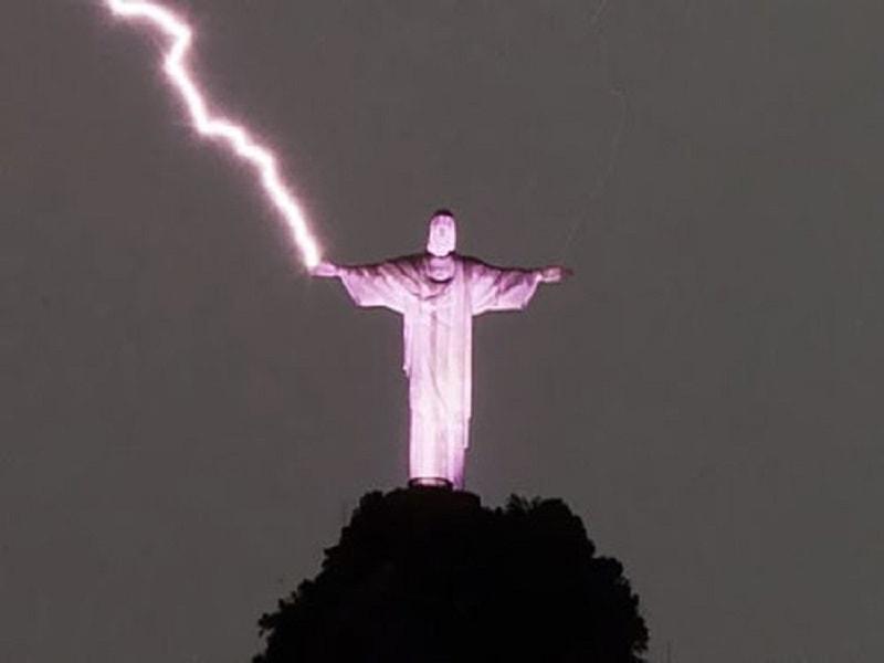 コルコバードのキリスト像雷画像3