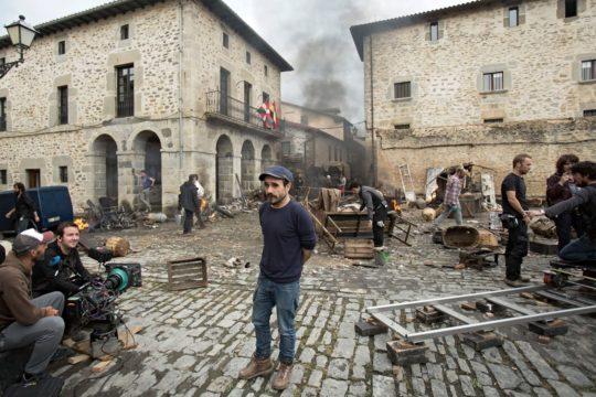 Koldo Serra durante el rodaje de 'Gernika', su segundo largometraje (foto: David Herranz)
