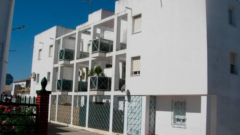 La Junta de Andalucía mejora la eficiencia energética en viviendas públicas de alquiler