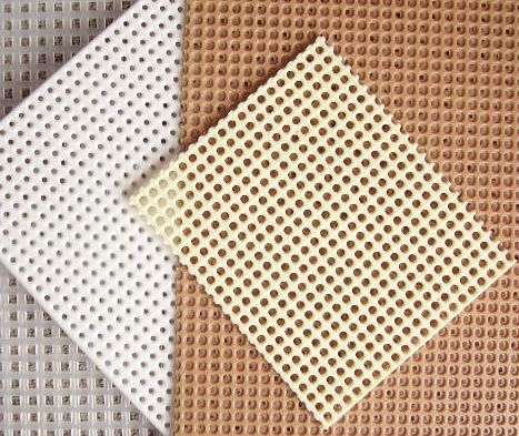 The different types of plastic canvas cross stitch fabric (source: thesprucecrafts.com)