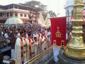 Athirampuzha feast 2016 - flag hoisting (8)