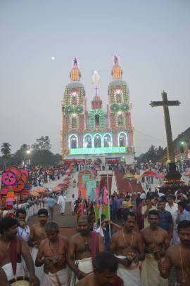 kuravilangad-church-moonnu-noimbu-2017-day-3-47