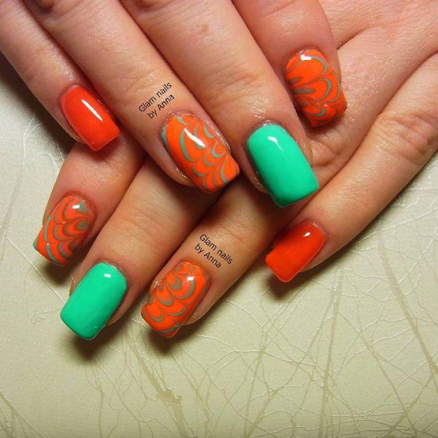 unghii-cu-gel-verde-portocaliu-watermarble