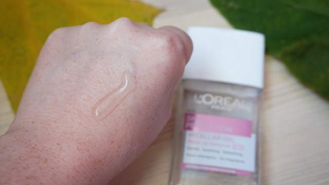 gel-micelar-loreal-swatch
