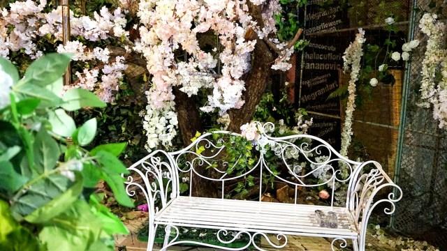 hala cu flori Bucuresti - decor