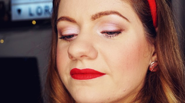 Makeup look for Christmas close-up