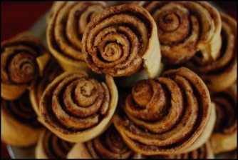 cinamon roll -california cafe-huaraz-peru