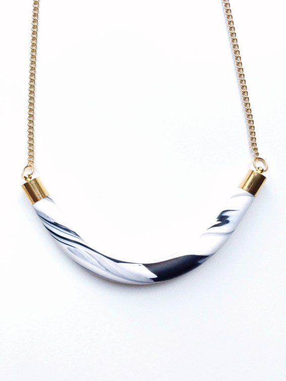 Balilla Thin Semi-Circle Necklace