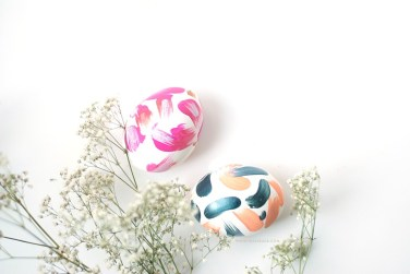 DIY-simple-abstract-easter-eggs-5