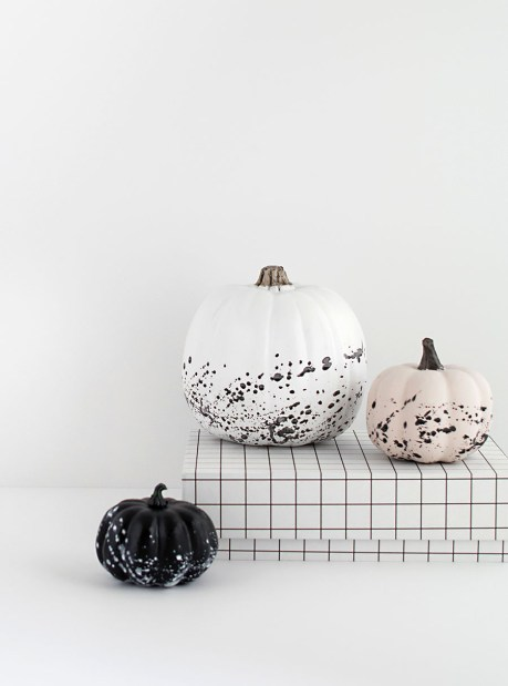 paint-splattered-pumpkins-diy