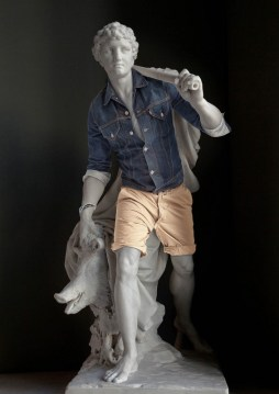 classical-sculptures-hipsters-5