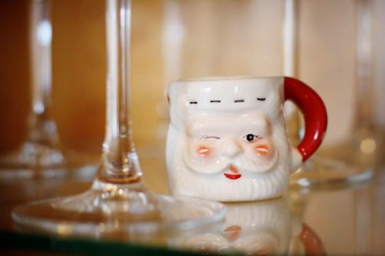 Christmas decorations Santa mugs vintage