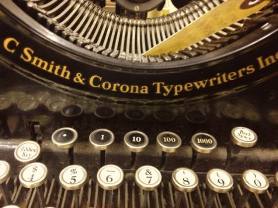 Flea Market, Typewriter