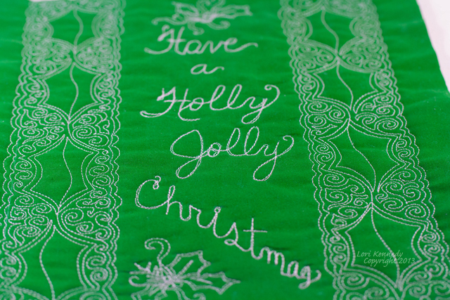 Holly, Free Motion Quilting, Christmas, Tablerunner