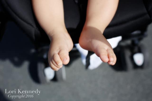 Baby Feet, Strolling