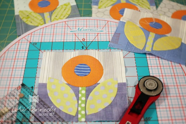 Martelli Turn Table Cutting Mat and Rose and Dot block