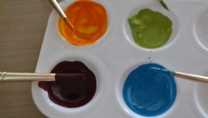 Mix together in a plastic palette to make a paint