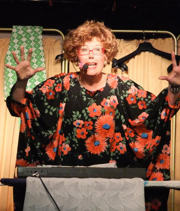 Lorraine Sings the Polyester Song