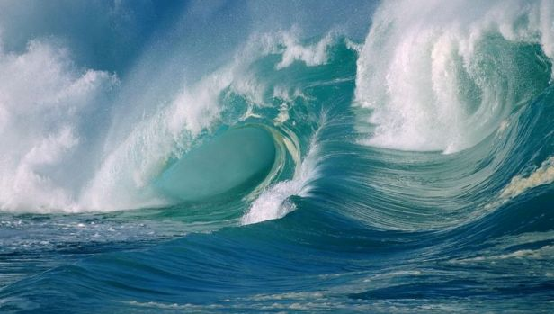 ocean-waves-tsunami