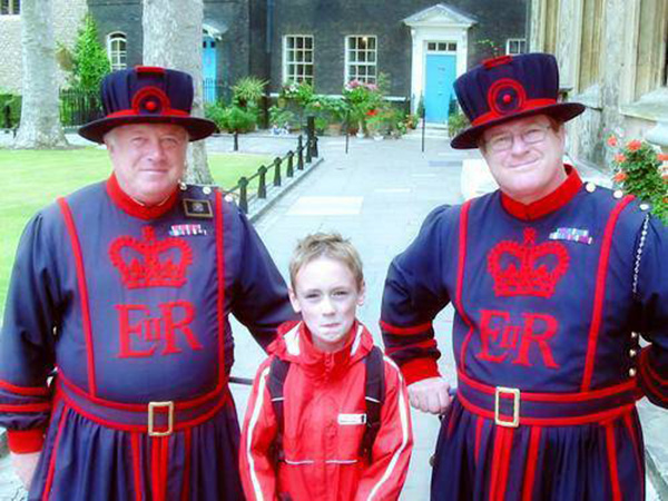 Max mit 2 Beefeater