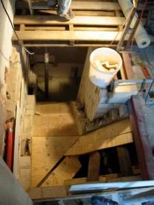Die Kellertreppe entsteht