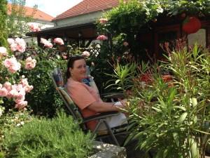 Pia im Garten