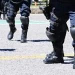 LOS FISCALES Y LOS POLICÍAS NO PUEDEN SER CONSIDERADOS COMO TRABAJADORES DE CONFIANZA AL NO TENER UNA RELACIÓN LABORAL SINO ADMINISTRATIVA CON EL ESTADO