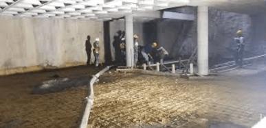 Colado de concreto debajo del nivel del terreno