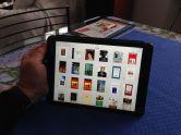 iPad - mirando en la biblioteca