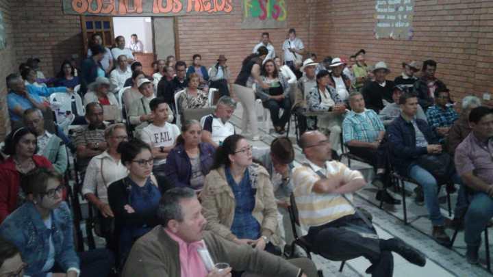 Se realizó audiencia del marco tarifario de servicios públicos en Málaga
