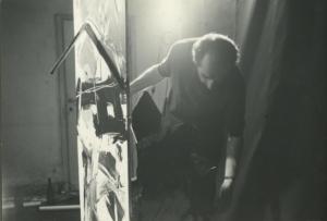 Emilio Vedova al lavoro ai Plurimi, Venezia, 1962.