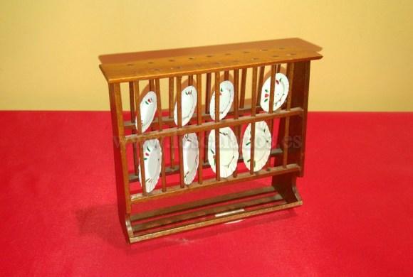 Locero de madera en miniatura