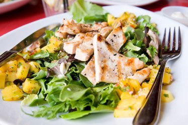 salad_chicken_mango
