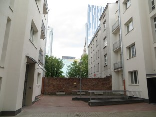 Jewish quarter in Warsaw: feeling like in a jail made of houses and red bricks