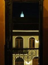 Vistaza desde mi litera en el hostel al campanario de la Iglesia de San Francisco de Asis