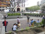 En la plaza de los poetas los escribanos nos saludan!