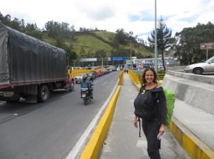 A punto de cruzar el puente Rumichaca, que conecta Colombia con Ecuador