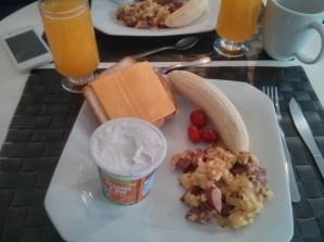 Empezamos el día desayunando como campeones. Eramos la envidia del hostel :p