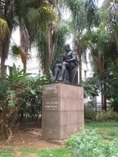 Nuestro querido Miguel de Cervantes presidiendo uno de los parques de la ciudad