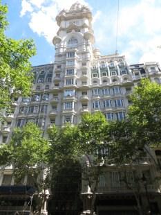 Palacio Barolo, muy parecido al que vimos en Montevideo https://losjunys.com/#jp-carousel-2323 Inspirado y diseñado por el arquitecto italiano Mario Palantti, según la cosmología de la Divina Comedia de Dante.